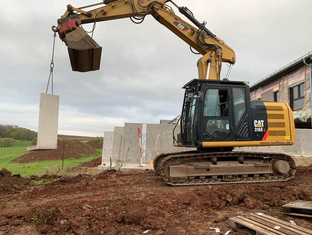 Errichtung L Steinmauer
